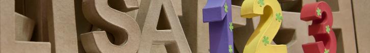 Pappbuchstaben